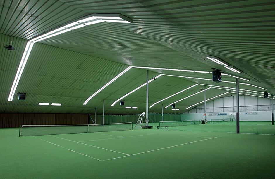 Drei Hallenplätze mit Granulat. Foto: Markus Kaminski