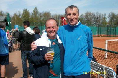 Rechts im Bild: Andreas Siegmund 2. Sieger Nebenrunde Herren 50